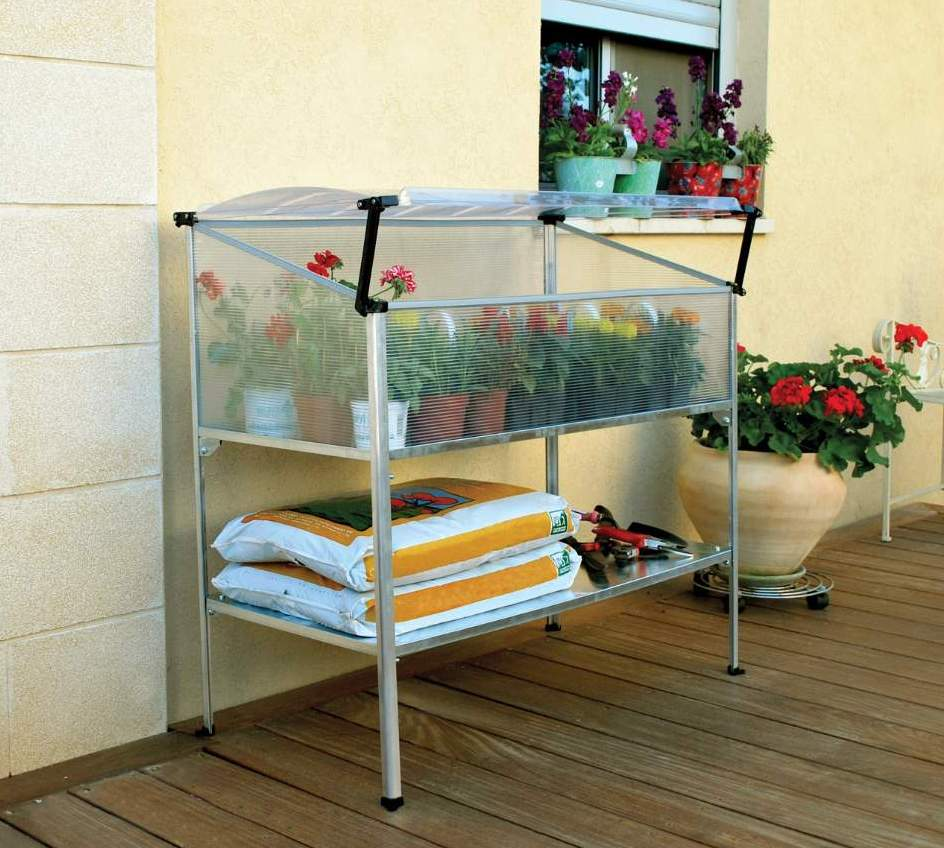 GrowDeck_mini_greenhouse